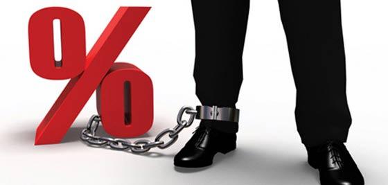 A devizahitelesek követelik a kormánytól, ne árusítsa ki őket a bankoknak