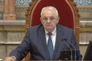 A nyugdíjasoknak és a kispénzű Magyaroknak 700 milliárdot kell kifizetnie?